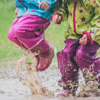 Giochi da fare all'aperto quando piove