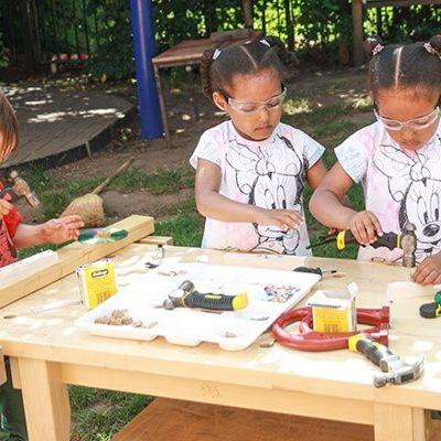 Lavorare il legno: una fonte di apprendimento irresistibile