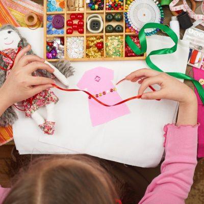 Motricità fine: cos'è e come stimolarla nei bambini