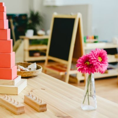 Piramide Rosa Montessori: stimolare la mente dei bambini