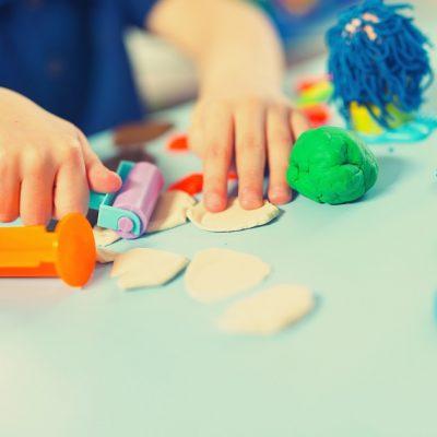 Attività da fare in casa con bambini di 6 anni