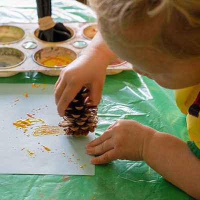 Colorare e dipingere con materiali della natura e di riciclo