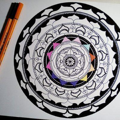 Mandala: un'attività per ritrovare la calma ed esprimere le proprie emozioni