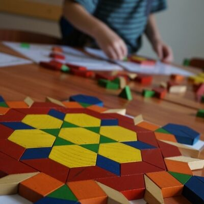 Tangram: figure e forme per un gioco antico e intelligente