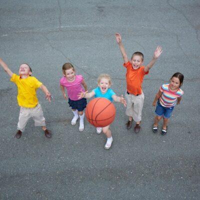 Canestro basket bambini: il primo sport a casa